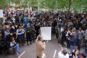 1-Occupy_Wall_Street_Crowd_2011_Shankbone